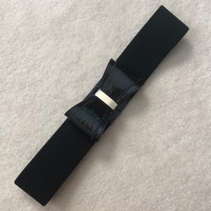 Lilly Pulitzer black bow belt